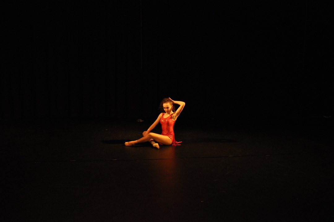 Eleanor Skinner Performs in 'The Works'
