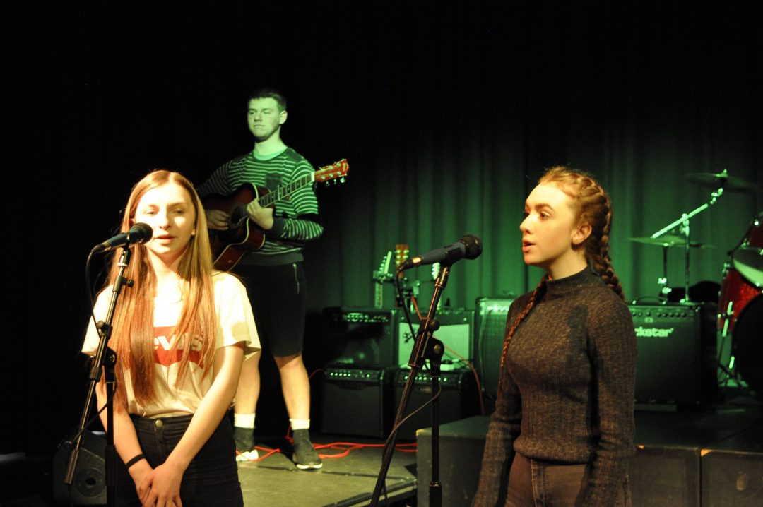 Over twenty acts performed, including solo performances and group numbers