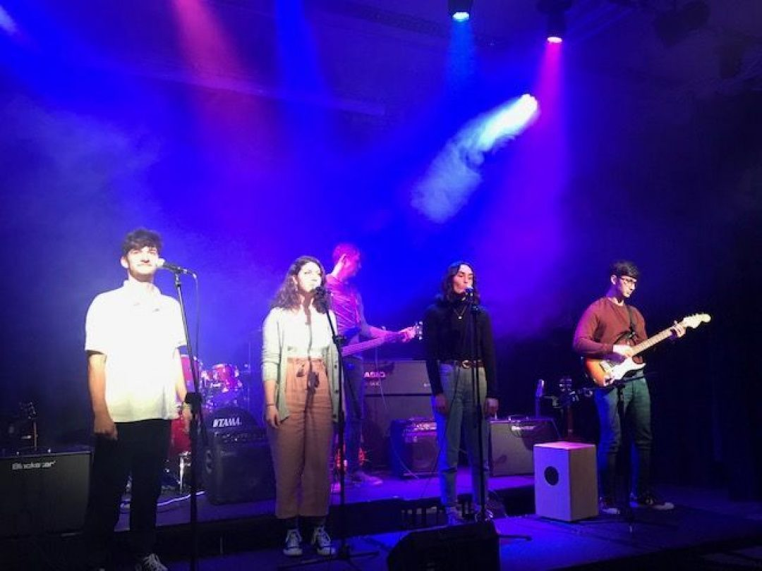 '2Sounds' took to the College stage for a brilliant performance