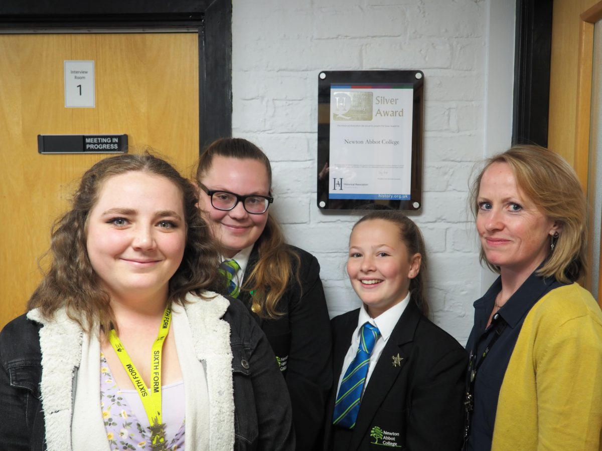 L-R Imogen Bray, Jess Mann, Amy Coombes and Team LEader of History, Kalie Dowling